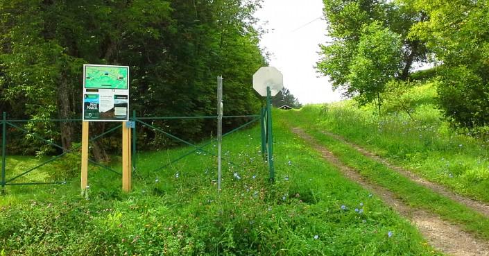 Sentier Mont Marcil - Entrée face au Parc du Barage de Saint-Didace